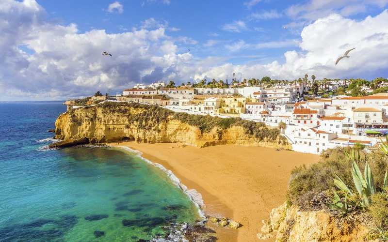 Travel Guide_ The Coast of Portugal