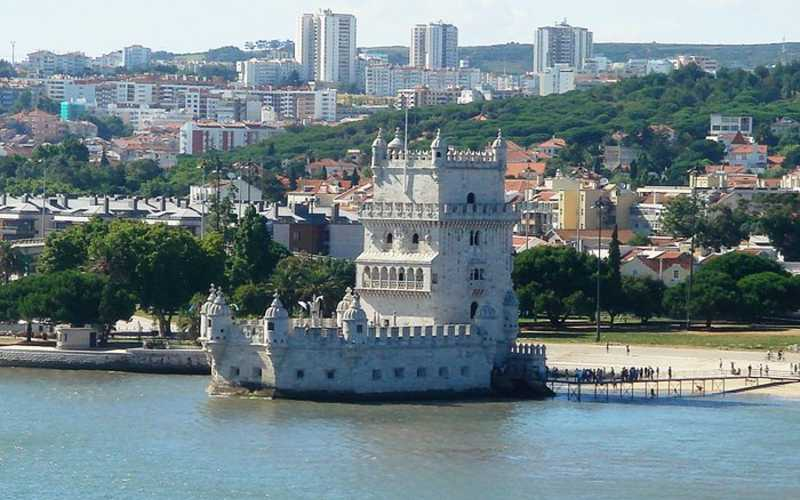 What is the best area to stay in Lisbon